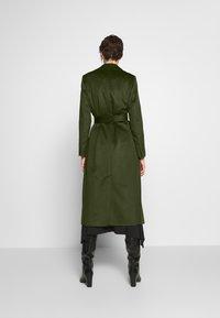 MAX&Co. - LONGRUN - Zimní kabát - khaki green - 2