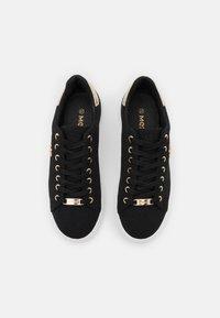 Mexx - CRISTA - Sneakers laag - black - 5