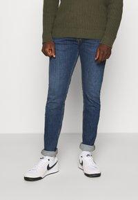 Diesel - D-LUSTER - Jeans slim fit - blue denim - 0