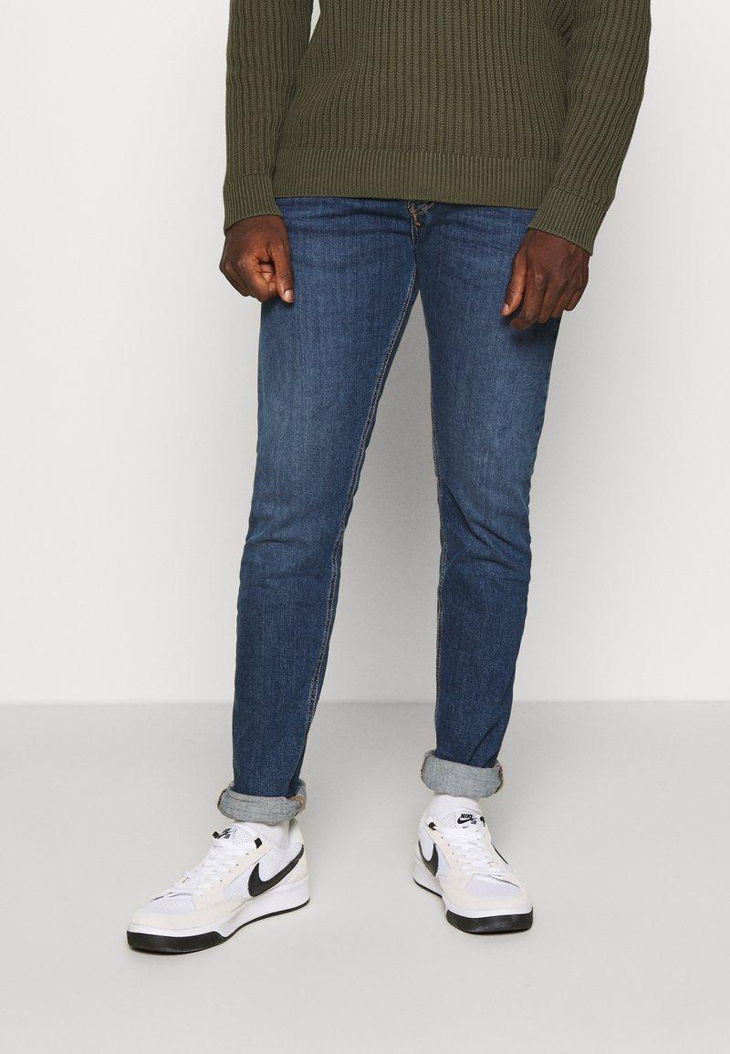 Diesel - D-LUSTER - Jeans slim fit - blue denim