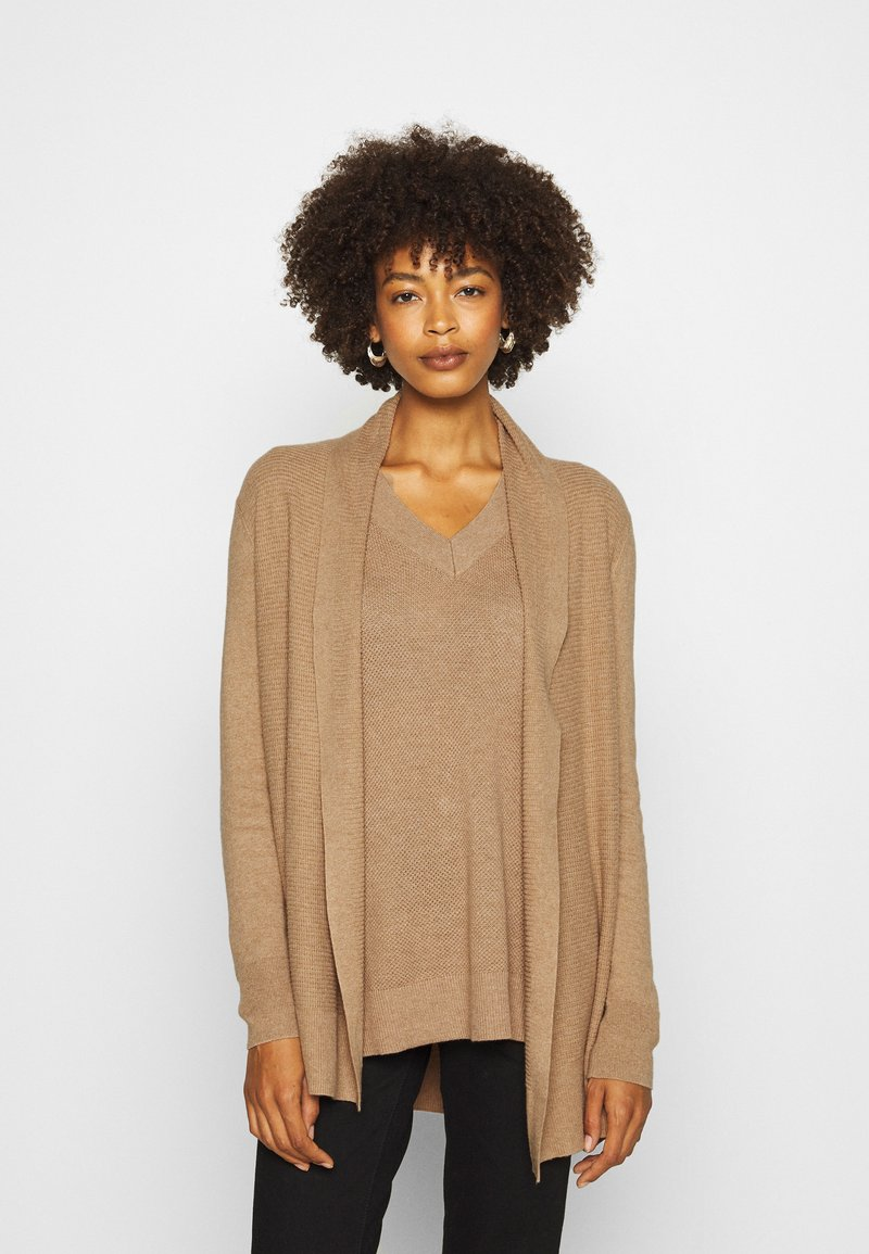 GAP - BELLA THIRD - Kardigan - classic camel
