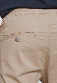 DRYKORN - JEGER - Trousers - beige - 4