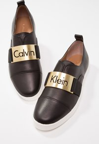 Calvin Klein - ILONA - Loaferit/pistokkaat - black - 7