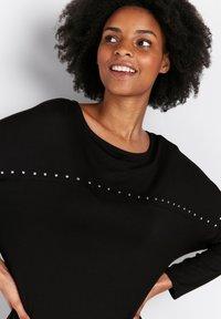 Wallis - PETITE  - Long sleeved top - black - 3