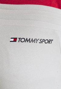 Tommy Sport - SHORTS - Korte broeken - grey - 6