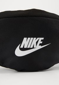 Nike Sportswear - HERITAGE - Bum bag - black/white - 6