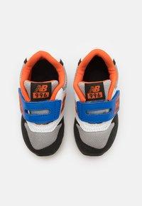 New Balance - IZ996MBO - Sneakers laag - blue/orange - 3