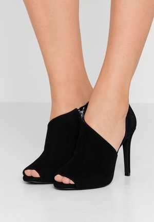 ELODIE BOOTIE - Høye hæler med åpen front - black
