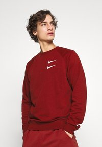 Nike Sportswear - Collegepaita - team red - 0