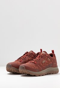 Keen - TERRADORA II WP - Trekingové boty - cherry mahogany/coral - 2