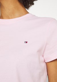 Tommy Hilfiger - T-shirts - pastel pink - 4
