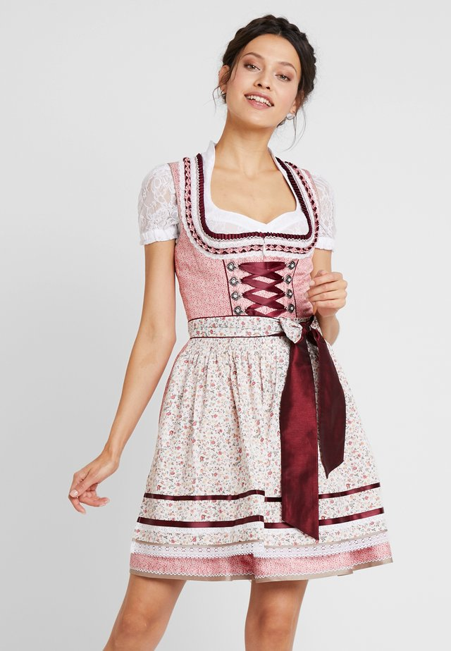 Oktoberfestklær - rot