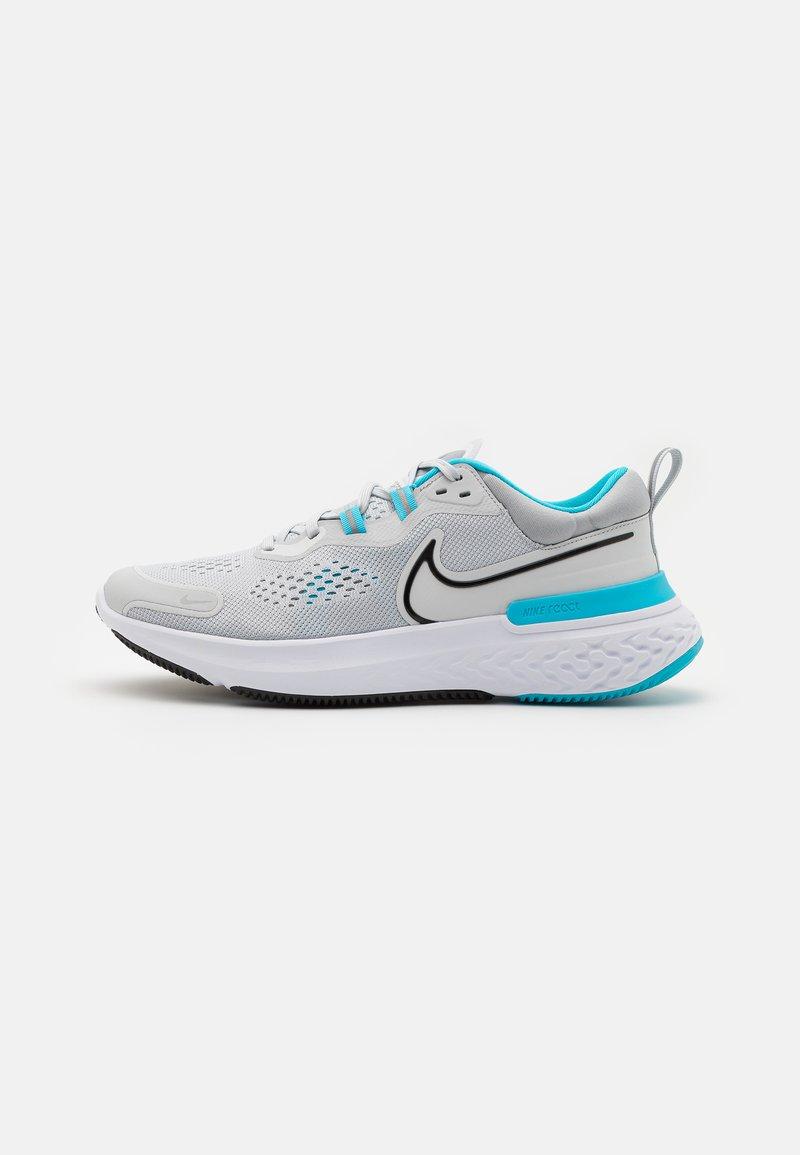 Nike Performance - REACT MILER 2 - Neutrala löparskor - pure platinum/black/chlorine blue