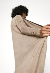 ONLY - ONLCECILIA LONG CARDIGAN - Cardigan - sand - 5