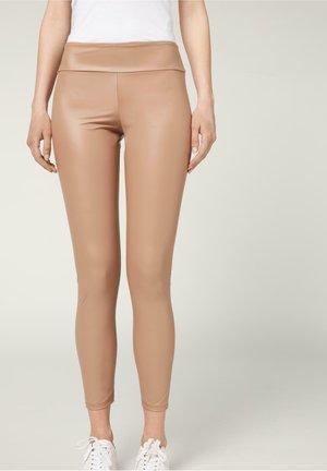 MIT LEDER-EFFEKT - Leggings - Stockings - biscotto