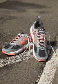 Nike Sportswear - AIR MAX GENOME - Sneakers - smoke grey/iron grey mango-summit white-grey - 2