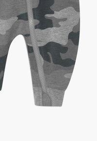 Converse - HOODED CAMO - Jumpsuit - grey heather - 3