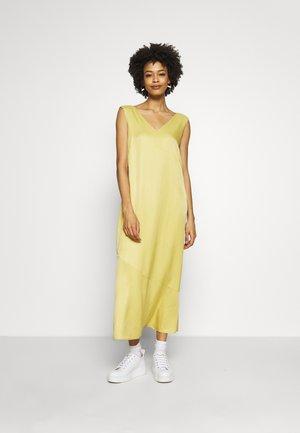 Day dress - dusty yellow