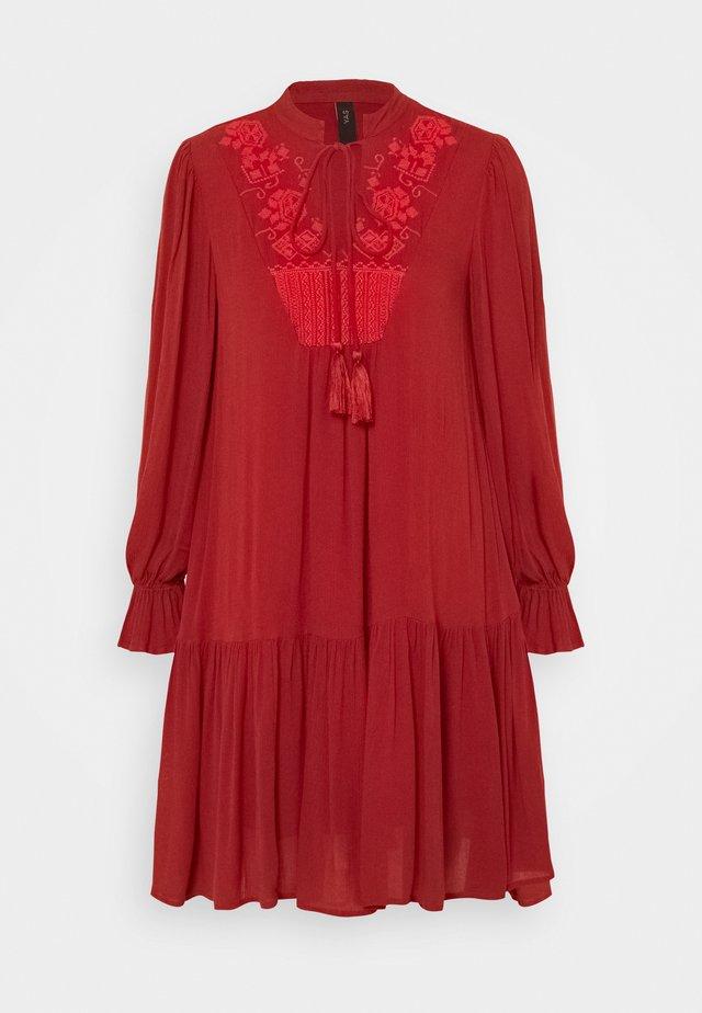 YASCILLA DRESS BOHO - Day dress - red ochre
