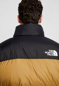 The North Face - 1996 RETRO NUPTSE JACKET - Untuvatakki - british khaki - 5