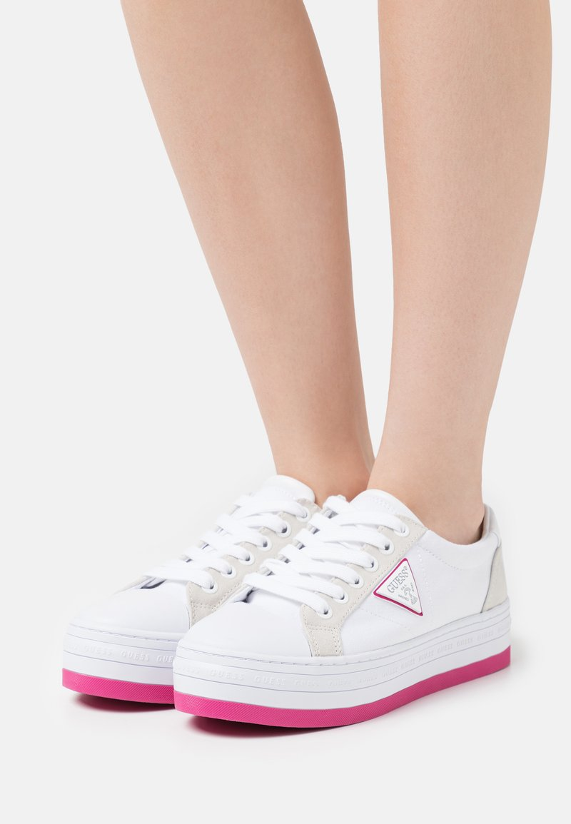 Guess - BRODEY - Sneakers laag - white/rose