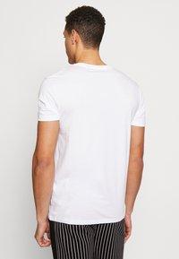 Burton Menswear London - 5 PACK  - Basic T-shirt - grey - 2
