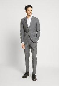 Esprit Collection - TROPICAL SUIT - Oblek - light grey - 1