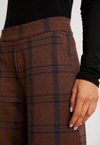 ICHI - IHKATE TARTAN - Spodnie materiałowe - emperador - 5