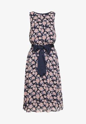 PRINTED GEORGETTE DRESS - Hverdagskjoler - navy/pink