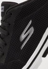 Skechers Performance - GO WALK 5 LUCKY - Sportieve wandelschoenen - black/white - 5