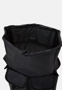 HXTN Supply - UTILITY BALANCE BACKPACK UNISEX - Batoh - black - 2