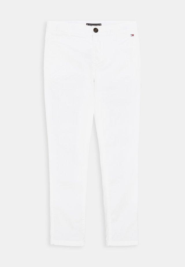 ESSENTIAL FLEX SKINNY - Chino - white