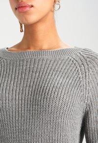 Noisy May - NMSIESTA O-NECK DRESS - Jumper dress - medium grey melange - 4