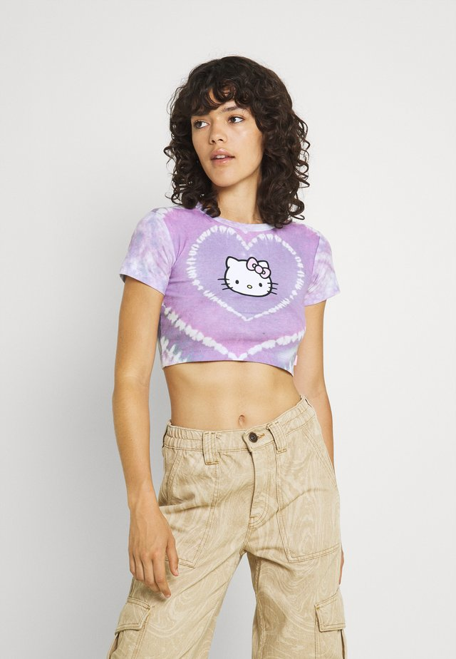 HEART TIE DYE BABY TEE - T-shirts med print - lilac