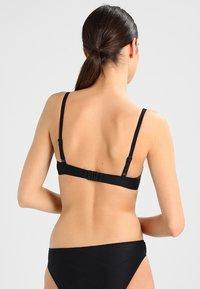 Cyell - THYRSA FOAM WIRED - Bikini top - black - 2