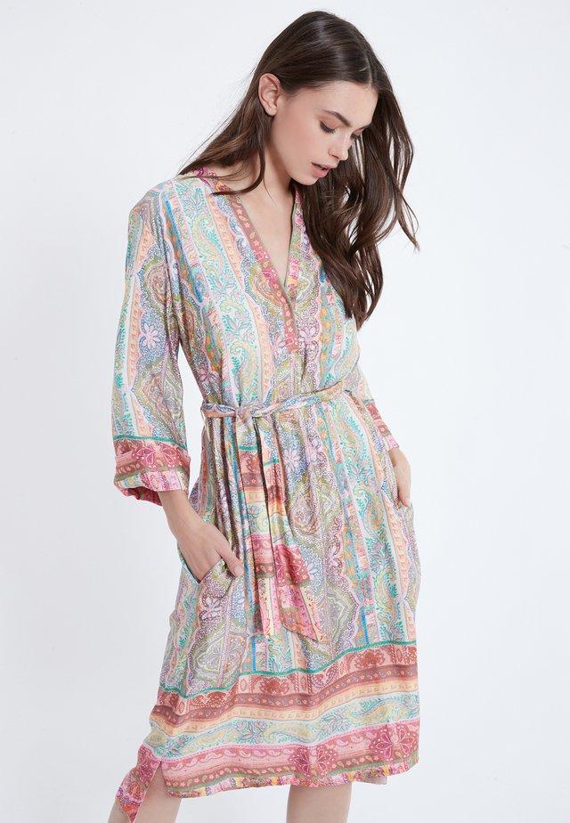AMYNE - Robe d'été - multi-coloured