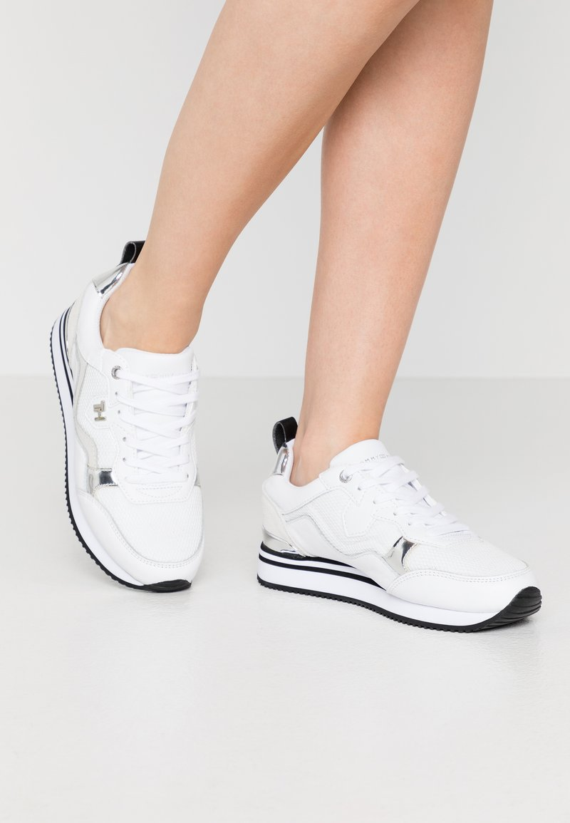 Tommy Hilfiger - FEMININE ACTIVE CITY  - Trainers - white/silver