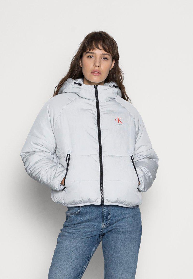 Calvin Klein Jeans - BIG LOGO PUFFER - Winter jacket - stone grey