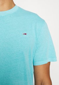 Tommy Jeans - SUNFADED WASH TEE - T-shirt basic - blue - 6