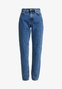Nudie Jeans - BREEZY BRITT - Jeans straight leg - friendly blue - 4