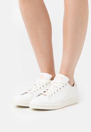 STAN SMITH - Sneakersy niskie - white