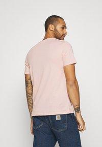 YOURTURN - UNISEX - T-shirt med print - pink - 2