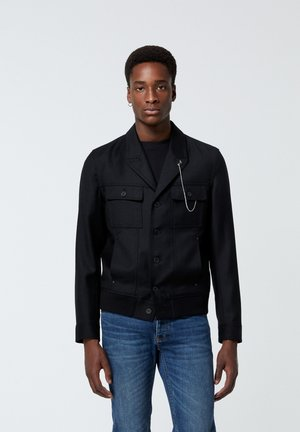 EN LAINE BOUTONNÉ À COL CRANTÉ - Light jacket - black