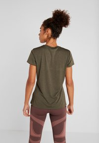 The North Face - WOMENS REAXION CREW - Basic T-shirt - green heather - 2