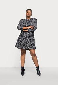 Selected Femme Curve - SLFVIA SHORT DRESS - Denní šaty - black - 1