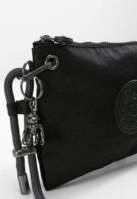 Kipling - KNIPPA - Across body bag - rich black - 5