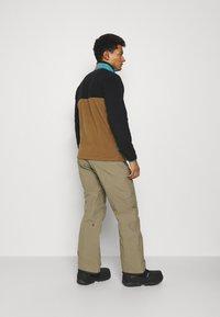 Volcom - GORETEX PANT - Snow pants - teak - 2