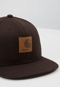 Carhartt WIP - LOGO - Cap - tobacco - 6