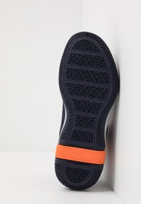 Puma - LEGACY MADNESS - Basketbalové boty - dark blue/orange - 4