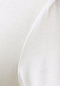Anna Field Tall - 3 PACK V NECK TOP - Printtipaita - black/white/light grey - 7